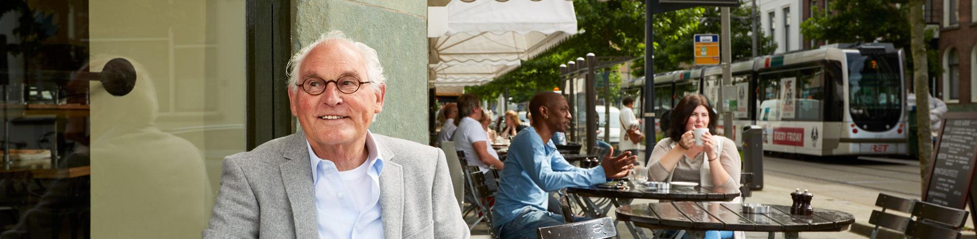 Het Vrij Reizen abonnement is geldig in de regio Rotterdam in bus, tram en metro van de RET.